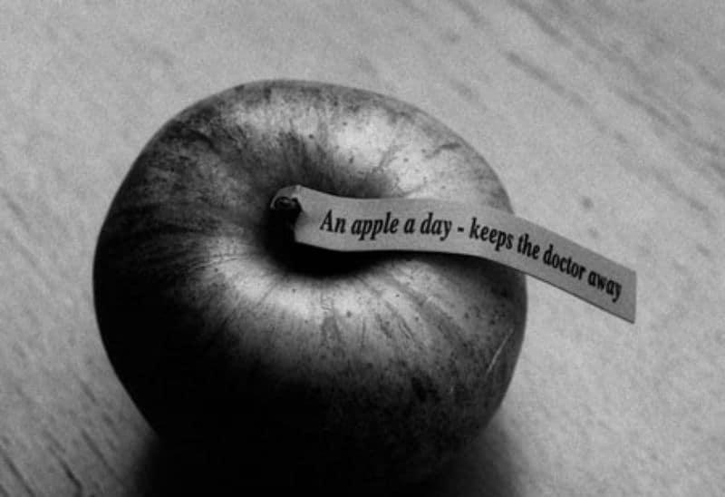 hvor mange kalorier er der i et æble